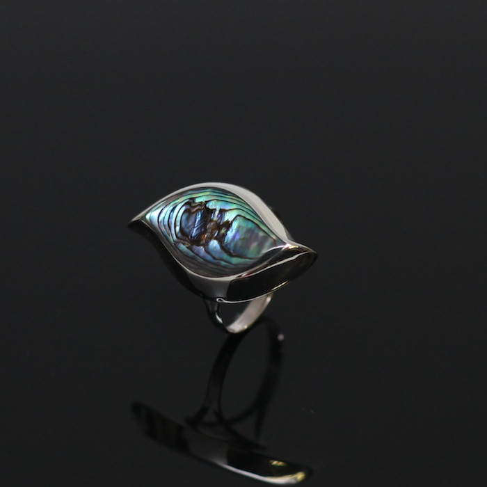 Sterling Silver Ring Inlaid with Shell